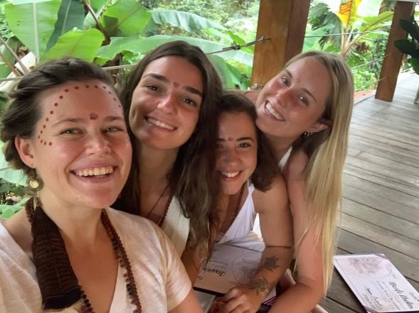 Jade, Jess, Nicole <3